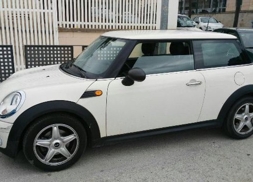 00002 Alquiler Mini One blanco front