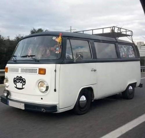 10412 Volkswagen  T2 blanco front