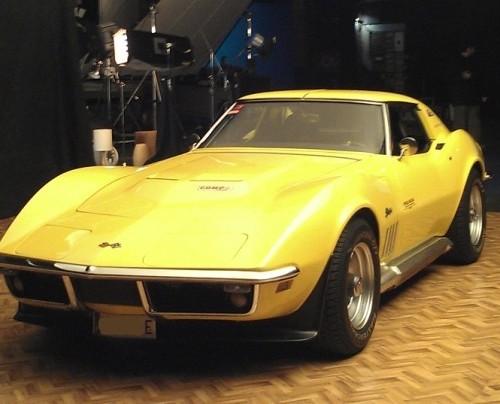 10413 Alquiler Chevrolet corvette c3 Stingray amarillo front coches americanos barcelona