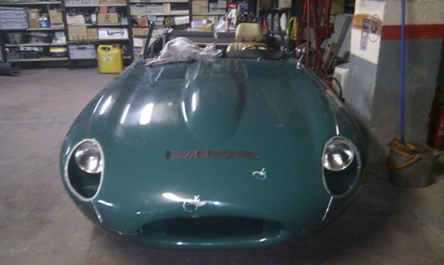 10413 Jaguar E-type verde 1966 front 2