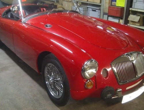 10413 alquiler MG A 1958 rojo front tyreaction