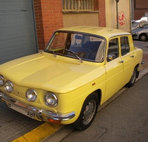 P0004 Renault 8 amarillo