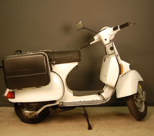 P0054 Vespa PX 200 blanco