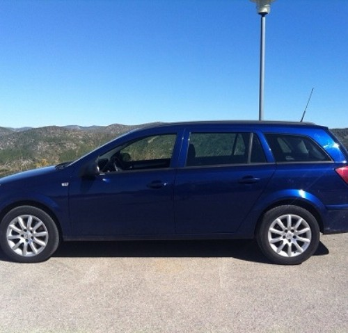P0074 Opel Astra familiar azul lat