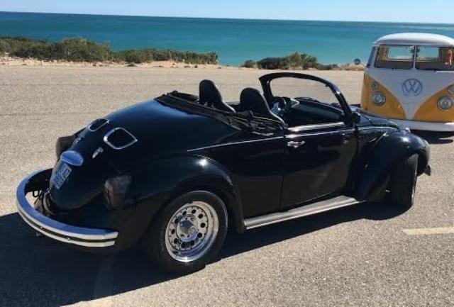 10398 Volkswagen Escarabajo cabrio negro beetle tras (2)