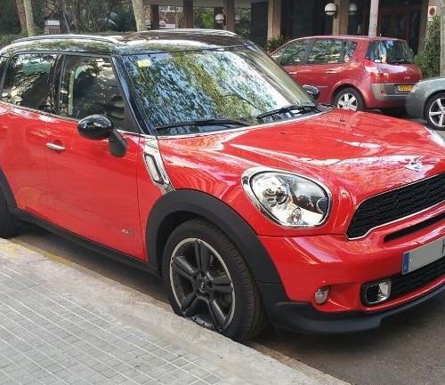 00001 Mini Countryman rojo front