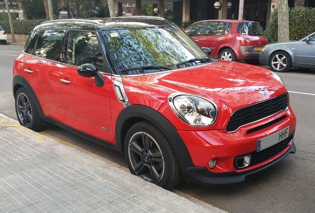 00001 Mini Countryman rojo front