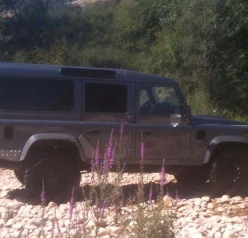 00002 alquiler Land Rover defender barcelona gris lat