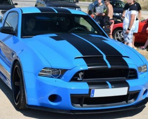00003 Mustang Shelby GT500 azul front