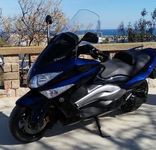 10431.2 Yamaha Tmax azul front