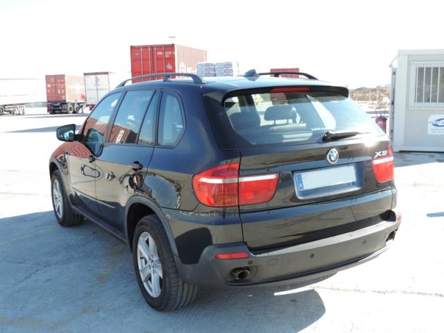 P0093 BMW X5 negro tras