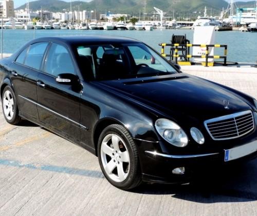 P0093 Mercedes E500 negro front