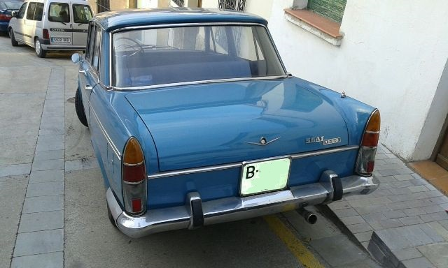 P0138 Seat 1500 azul tras