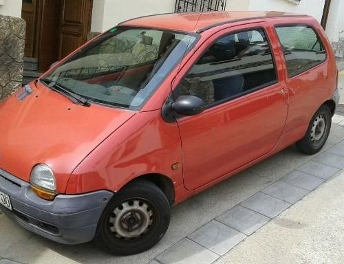 p0138 Renault Twingo rojo front