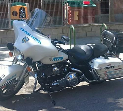 P0001 Alquiler Harley Davidson policia americana new york Tyreaction peliculas barcelona front