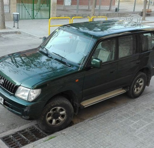 P0001 Toyota Landcruiser verde front