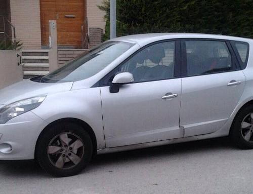 P0044 Renault Escenic plata lat