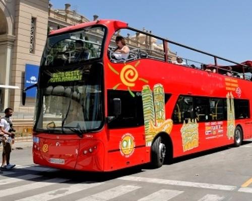 P0136 Bus turistico front