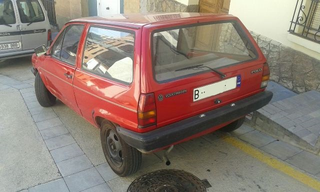 P0138 Volkswagen Polo MK1 rojo tras2