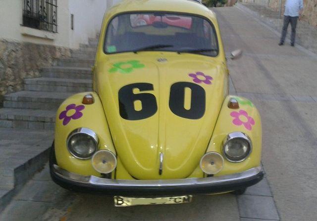 P0138 Volkswagen escarabajo amarillo flores front