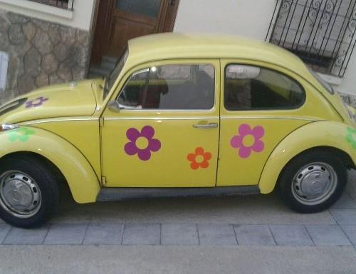 P0138 Volkswagen escarabajo amarillo flores lat