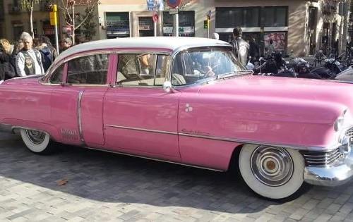 p0035 alquiler cadillac eldorado rosa coche vehciulos escena anuncio moda shooting tyreaction barcelona