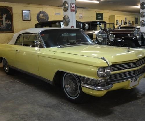 p0050 Cadillac Eldorado amarillo crema front alquiler coches americanos barcelona