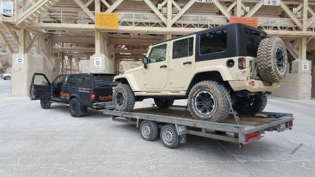 alquiler jeep militar para anuncio mobile strike making off Arnold Schwarzenegger in The Wall tyreaction 10