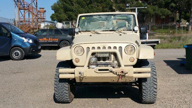 alquiler jeep militar anuncio mobile strike making off Arnold Schwarzenegger  tyreaction 12 vehiculos de escena