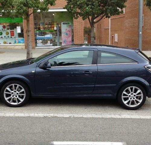 p0044 Opel astra azul oscuro lat