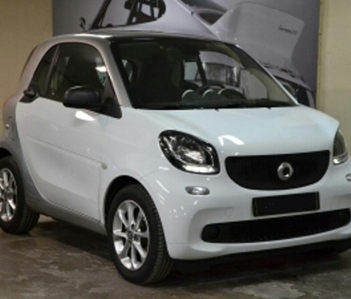 p0057 Smart for two blanco front