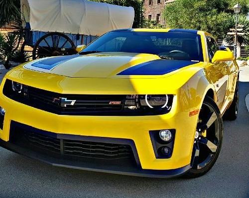 10527 Chevrolet Camaro Transformers amarillo front Tyreaction alquiler coches americanos barcelona