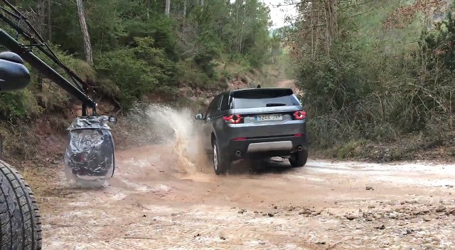 rodaje land rover discovery tyreaction precision driver scorpio arm vehiculos de escena 3