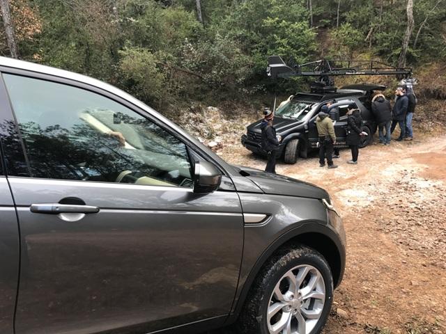 rodaje land rover discovery tyreaction precision driver scorpio arm vehiculos de escena