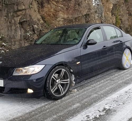 10553 BMW 320D front