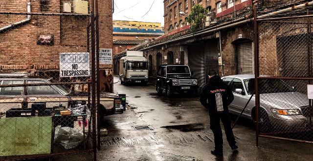 shakira videoclip me enamoré tyreaction vehículos de escena making of 1