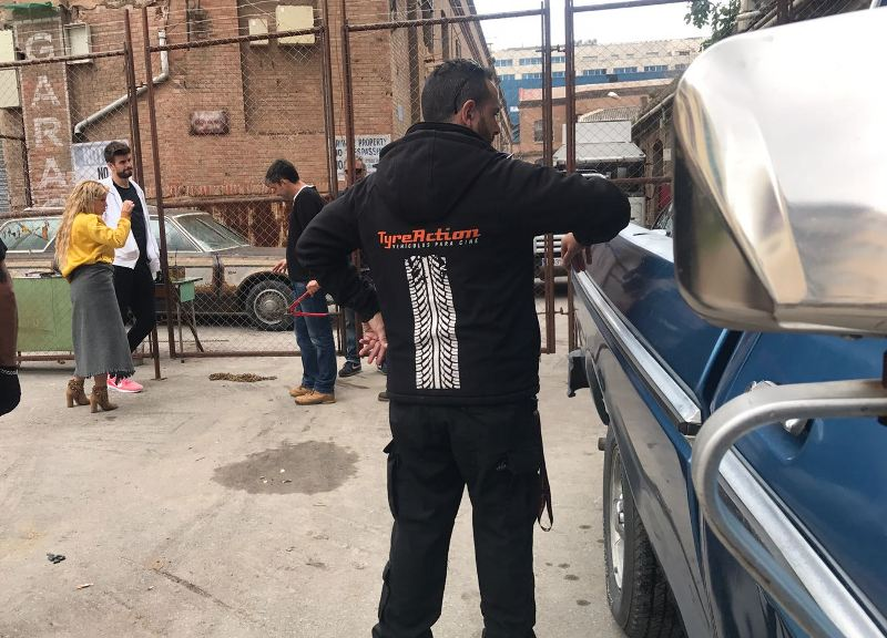 shakira videoclip me enamoré tyreaction vehículos de escena making of 10