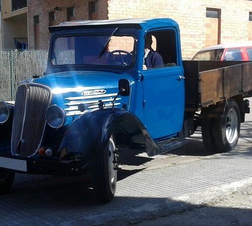 10097 Alquiler Camió Renault azul