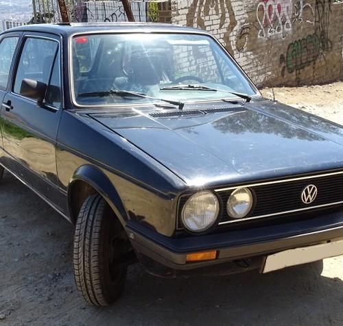 10580 Volkswagen Golf mk1 negro frontal