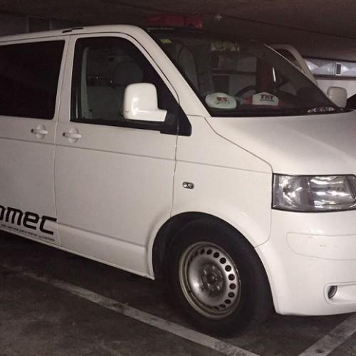10580.7 Alquiler Volkswagen Multivan blanco