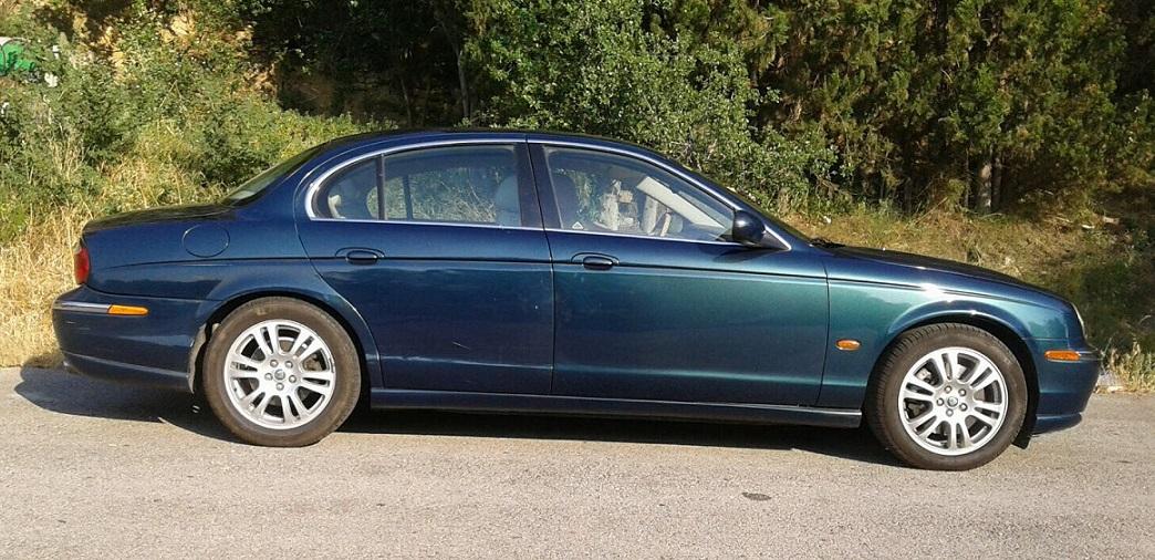 10583 Alquiler Jaguar S Type verde lateral
