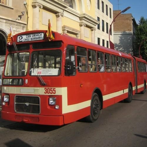 P0061 Alquiler Bus articulado pegaso 6035 front rojo