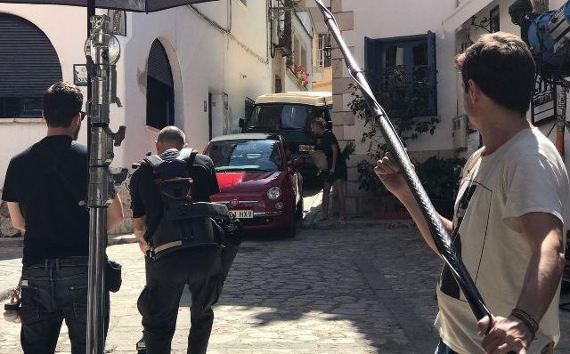 tyreaction anuncio estrella damm 2017 peter dinklager cadillac el dorado vehiculos de escena 1 dodge charger alvaro cervantes fiat 500