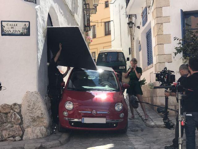 tyreaction anuncio estrella damm 2017 peter dinklager cadillac el dorado vehiculos de escena alvaro cervantes 1