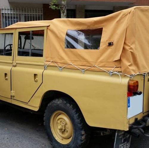 10591 Alquiler Land Rover 109 descapotable amarillo