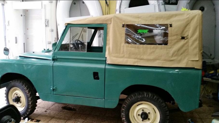 10591.2 Alquiler Land Rover descapotable azul