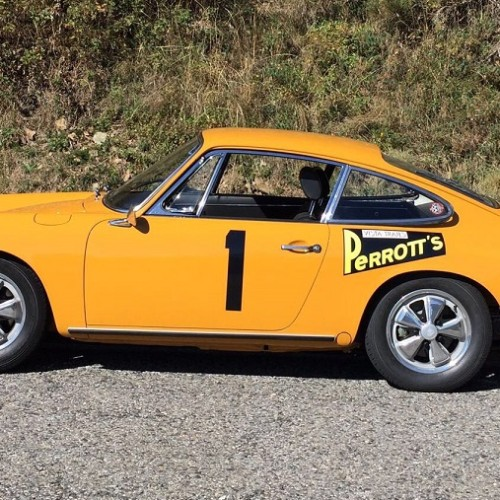 10592.3 Porche 911 Naranja lateral