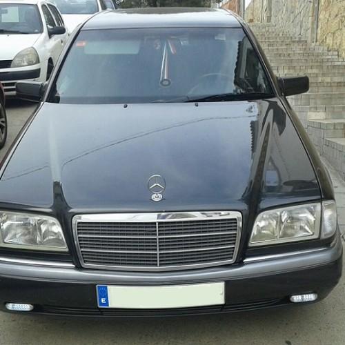P0138 Alquiler Mercedes clase C gris