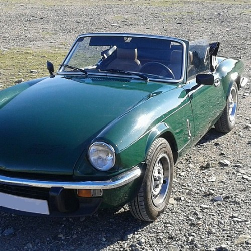 P0138 Alquiler Triumph Spitfire Verde frontal For rent Prop Action Picture Vehicles in Spain Barcelona Madrid