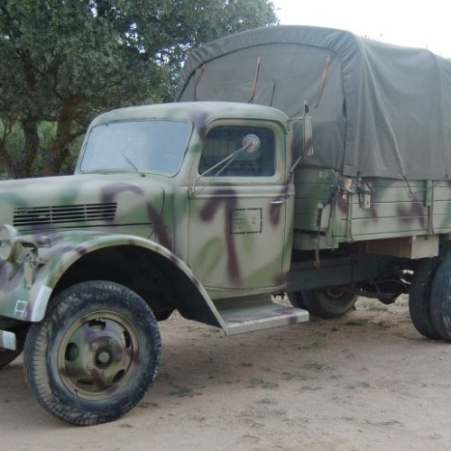PM152 Camion-Ford-V3000-Lona